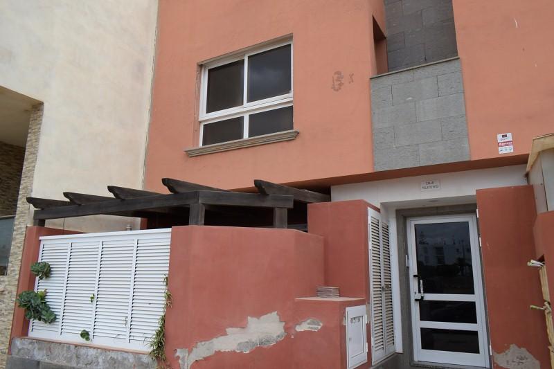 Piso en venta en Las Salinas, Puerto del Rosario, Las Palmas, Calle , 100.000 €, 3 habitaciones, 2 baños, 94 m2
