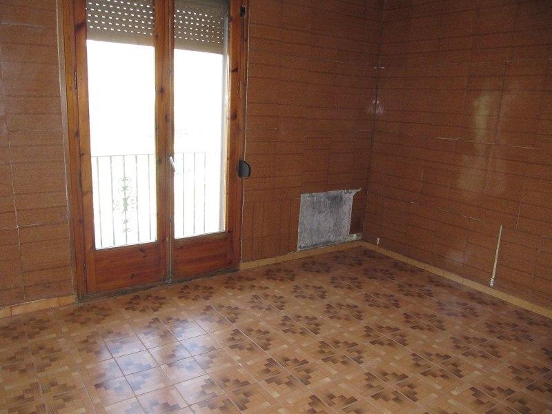 Piso en venta en Ripoll, Girona, Calle de Ribes, 39.000 €, 3 habitaciones, 1 baño, 88 m2