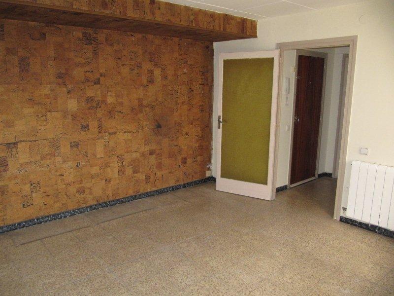 Piso en venta en Ripoll, Girona, Calle Lleida, 52.000 €, 2 habitaciones, 1 baño, 61 m2
