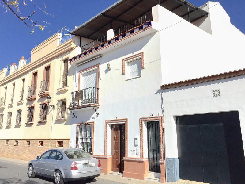 Piso en venta en Bollullos Par del Condado, Huelva, Calle Nicaragua, 125.000 €, 3 habitaciones, 1 baño, 147 m2