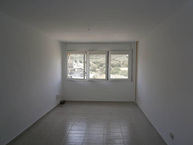 Piso en venta en La Torre, Navàs, Barcelona, Calle Pau Casals, 69.000 €, 3 habitaciones, 1 baño, 83 m2