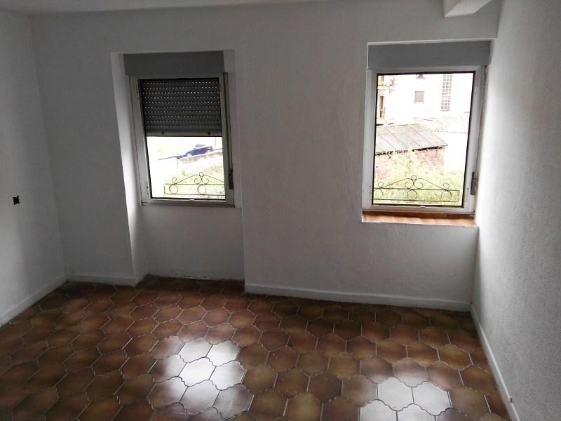 Piso en venta en El Entrego / L´entregu, San Martín del Rey Aurelio, Asturias, Calle Santa Ana, 20.000 €, 2 habitaciones, 1 baño, 75 m2