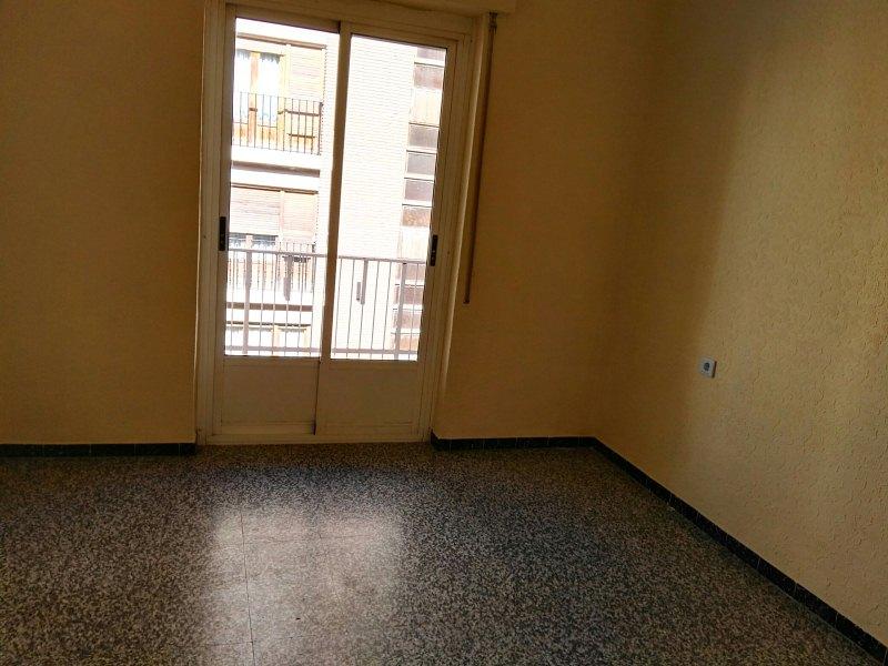 Piso en venta en Almansa, Albacete, Rambla de la Mancha, 67.000 €, 4 habitaciones, 2 baños, 126 m2