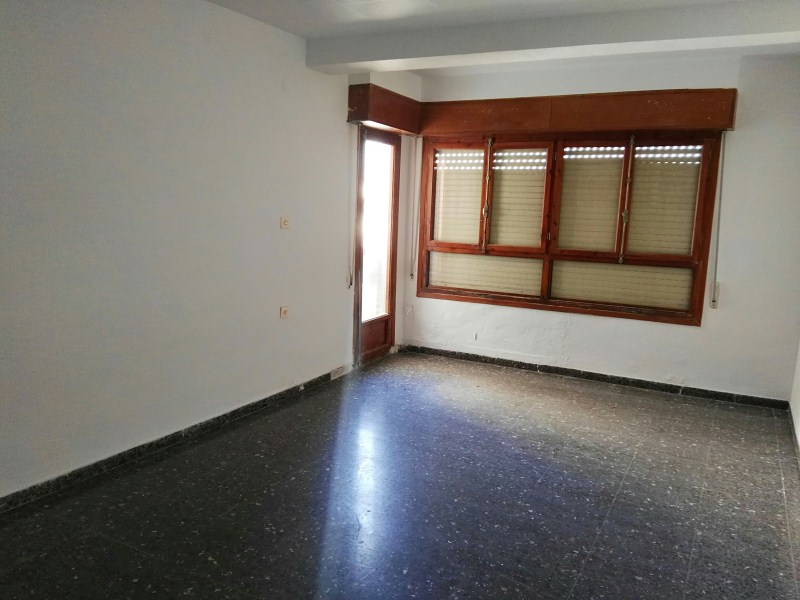 Piso en venta en Villena, Alicante, Calle de Santa Maria de la Cabeza, 56.000 €, 4 habitaciones, 2 baños, 116 m2