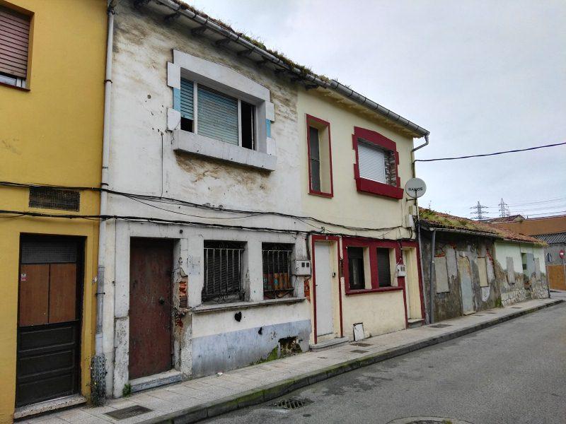 Piso en venta en Llaranes, Avilés, Asturias, Calle Ramon Garay, 20.000 €, 2 habitaciones, 1 baño, 50 m2