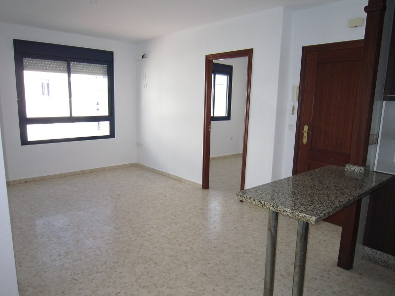 Piso en venta en Villamartín, Cádiz, Avenida Sevilla, 57.000 €, 2 habitaciones, 1 baño, 66 m2