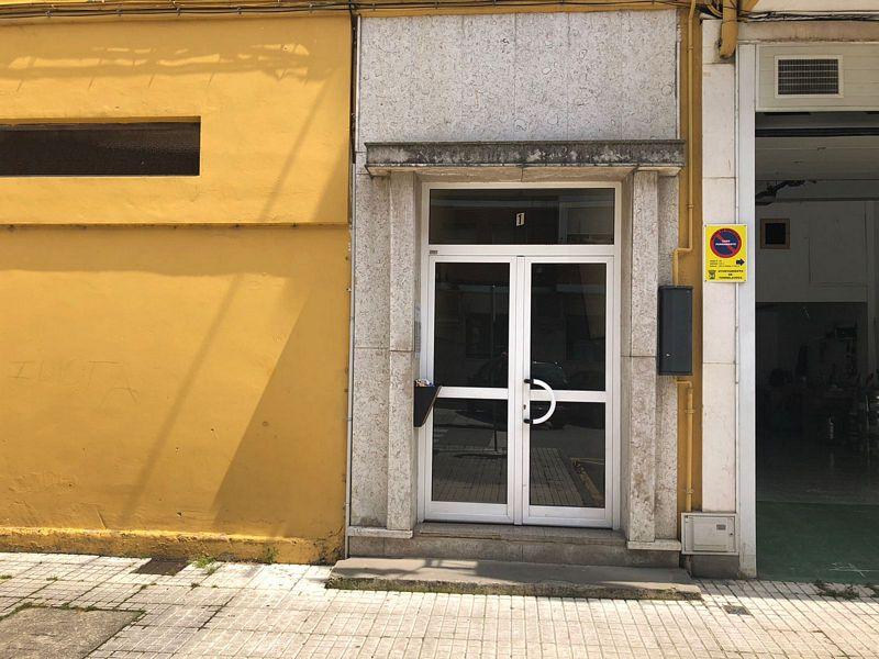 Piso en venta en El Zapatón, Torrelavega, Cantabria, Calle Valdaliga, 54.000 €, 3 habitaciones, 1 baño, 57,62 m2