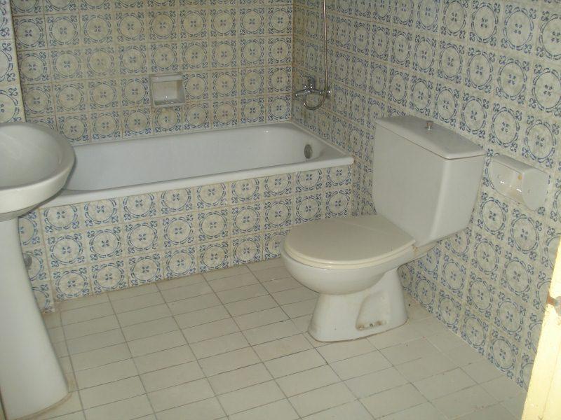 Piso en venta en Piso en Castelló D`empúries, Girona, 85.000 €, 1 habitación, 1 baño, 48 m2