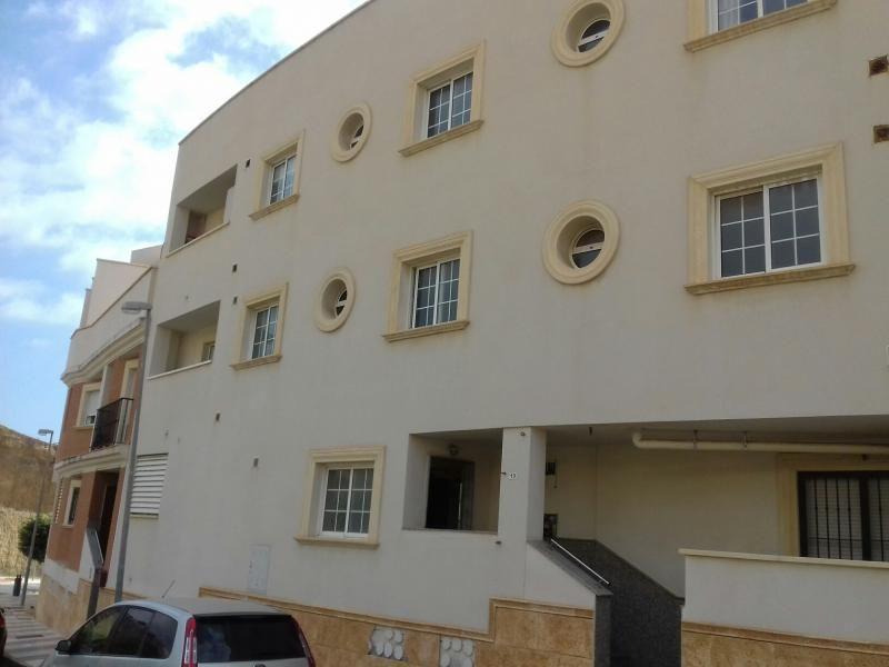 Piso en venta en Piso en Roquetas de Mar, Almería, 72.600 €, 2 habitaciones, 1 baño, 83 m2