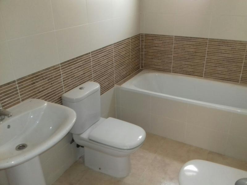 Piso en venta en Piso en Roquetas de Mar, Almería, 65.600 €, 1 habitación, 1 baño, 75 m2