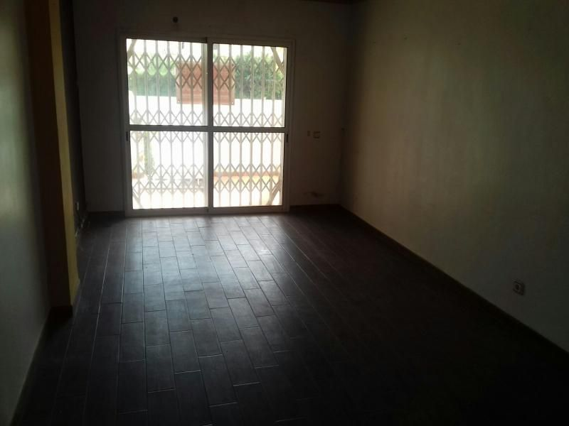 Piso en venta en Piso en Roquetas de Mar, Almería, 98.000 €, 2 habitaciones, 2 baños, 97 m2