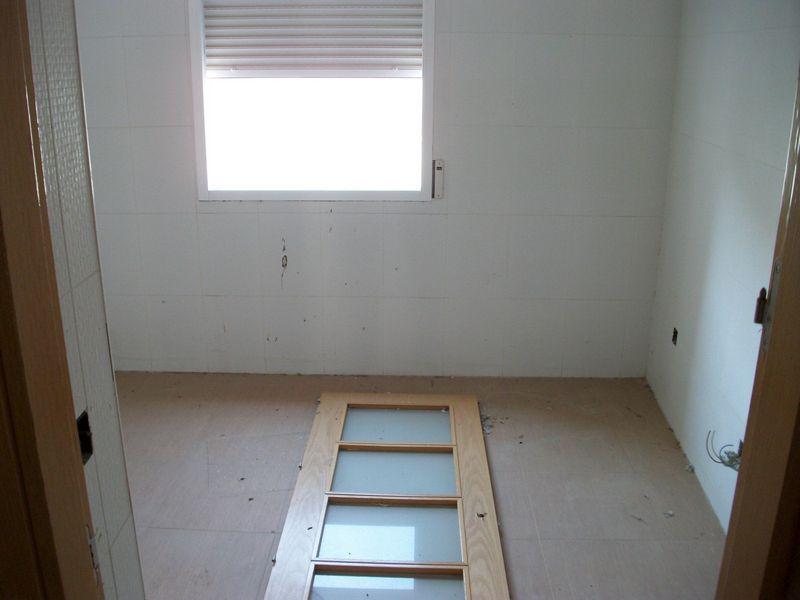 Piso en venta en Piso en Santo Domingo-caudilla, Toledo, 86.000 €, 3 habitaciones, 3 baños, 168 m2, Garaje