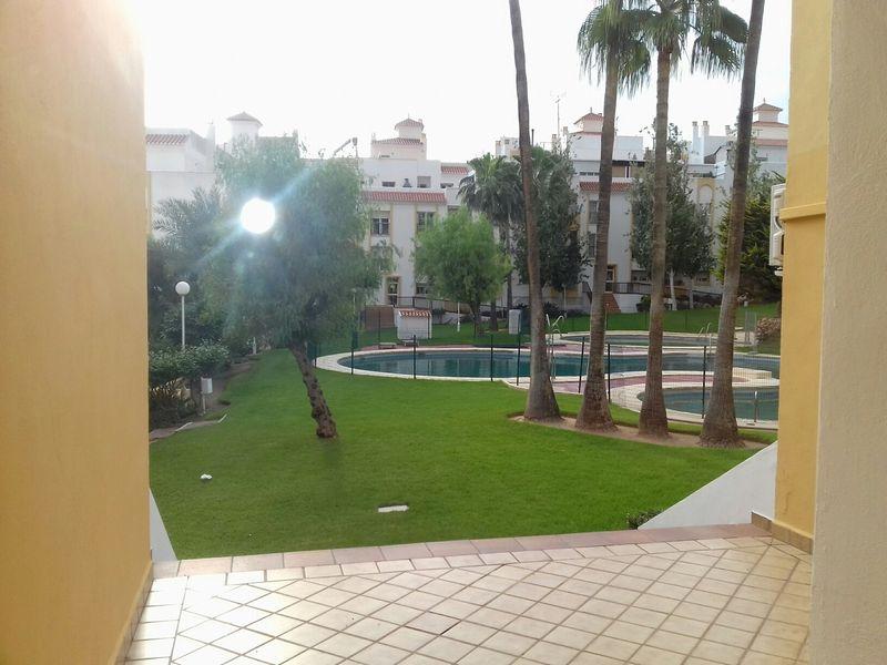 Piso en venta en Piso en Almería, Almería, 90.000 €, 3 habitaciones, 1 baño, 83 m2