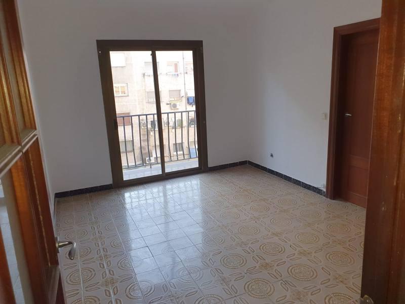 Piso en venta en Mollet del Vallès, Barcelona, Avenida del Parc, 91.000 €, 3 habitaciones, 71 m2