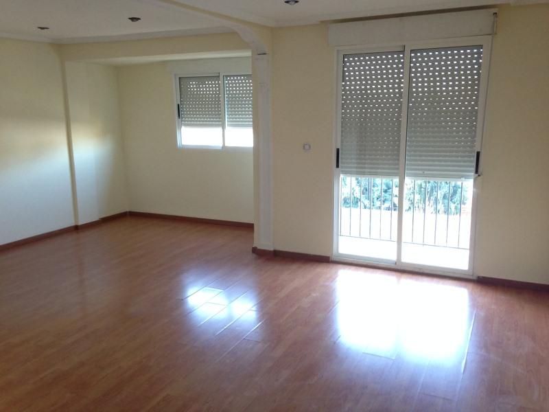 Piso en venta en Petrer, Petrer, Alicante, Calle Carrer Castella, 39.500 €, 2 habitaciones, 93 m2