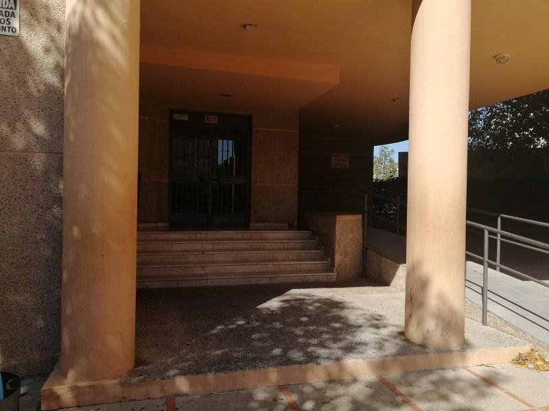 Piso en venta en Jerez de la Frontera, Cádiz, Avenida de la Solidaridad, 74.000 €, 3 habitaciones, 85 m2