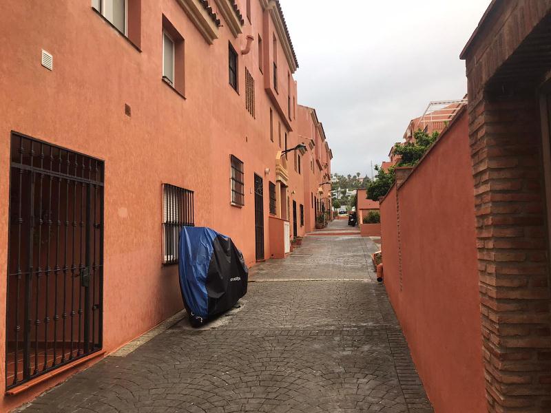 Piso en venta en La Quinta, Estepona, Málaga, Calle Autopista del Mediterráneo, 170.000 €, 3 habitaciones, 3 baños, 123 m2