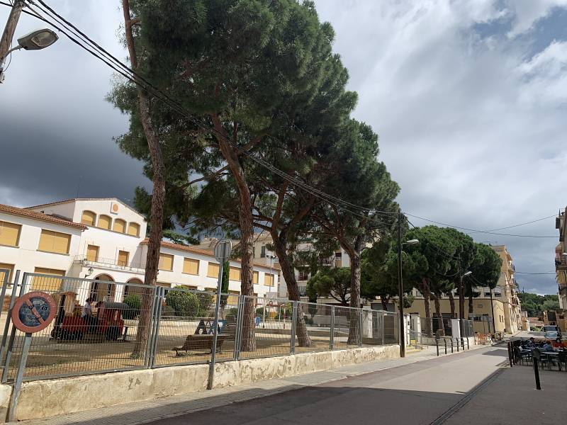 Piso en venta en Arenys de Mar, Arenys de Mar, Barcelona, Calle de Anna Maria Ravell, 151.000 €, 4 habitaciones, 1 baño, 86 m2