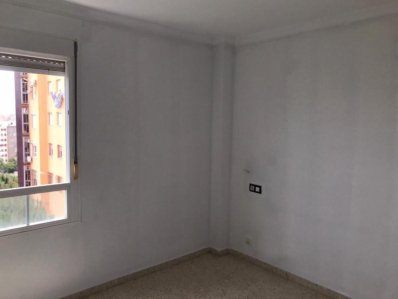 Piso en venta en Piso en Algeciras, Cádiz, 138.000 €, 3 habitaciones, 2 baños, 105 m2