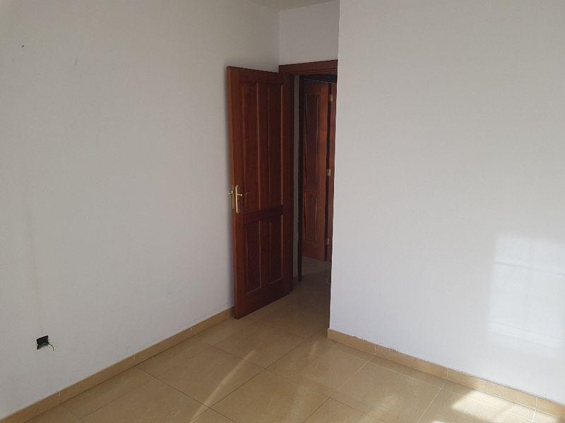 Piso en venta en Arrecife, Las Palmas, Calle Ortega Y Gasset, 102.000 €, 2 habitaciones, 2 baños, 80 m2