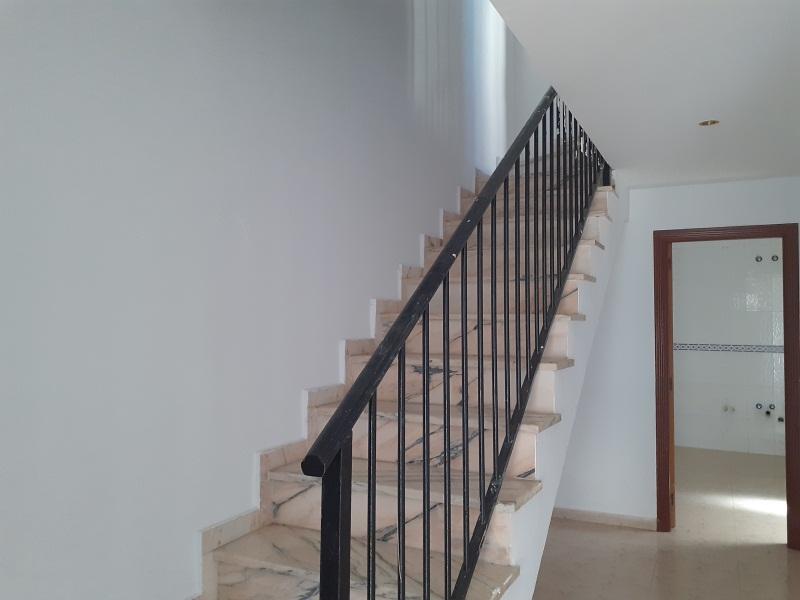 Piso en venta en Sierra de San Pedro, Cáceres, Cáceres, Calle Hervas, 81.000 €, 3 habitaciones, 1 baño, 99 m2