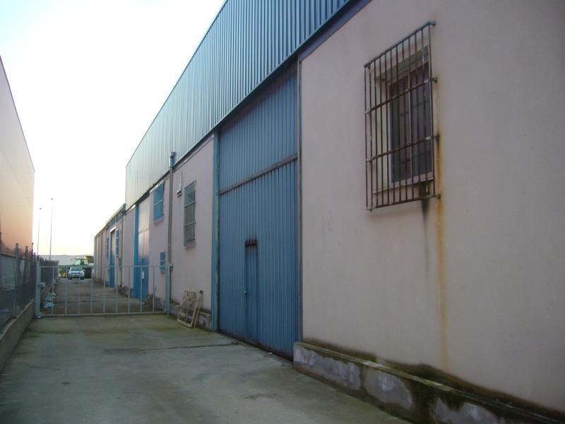 Industrial en venta en Agoncillo, La Rioja, Calle Ebro, 125.800 €, 419 m2