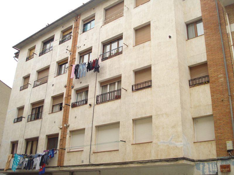 Piso en venta en Ripoll, Girona, Calle Josep Maria Pellicer, 62.000 €, 3 habitaciones, 1 baño, 76 m2