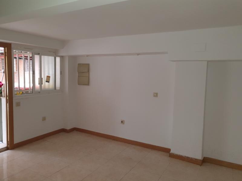 Local en venta en Local en Madrid, Madrid, 137.400 €, 61,75 m2