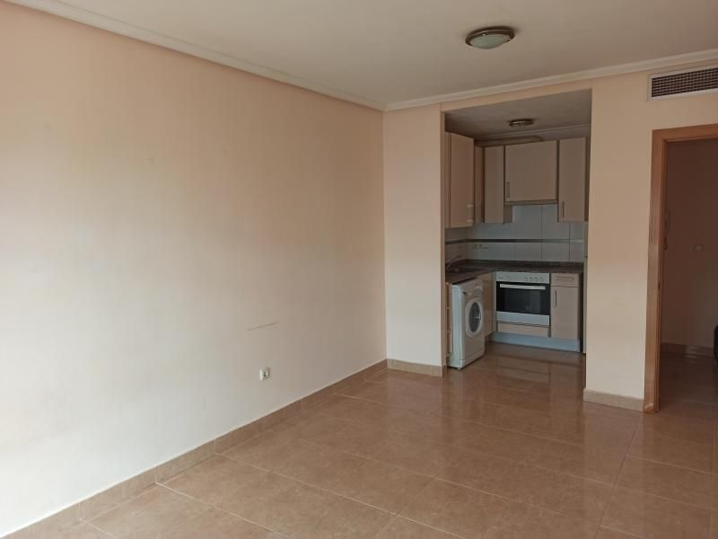 Piso en venta en Piso en Lorca, Murcia, 52.000 €, 1 habitación, 1 baño, 56 m2