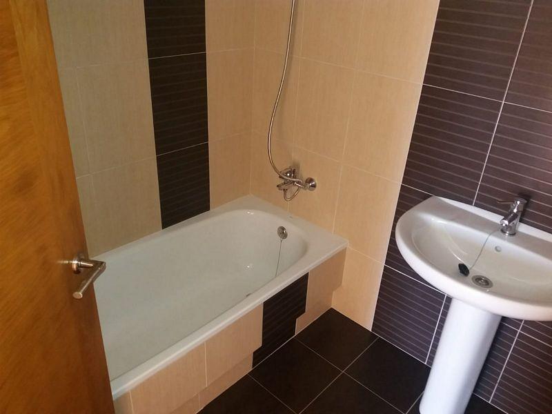 Piso en venta en Piso en Malpica de Bergantiños, A Coruña, 59.000 €, 3 habitaciones, 1 baño, 61,2 m2, Garaje