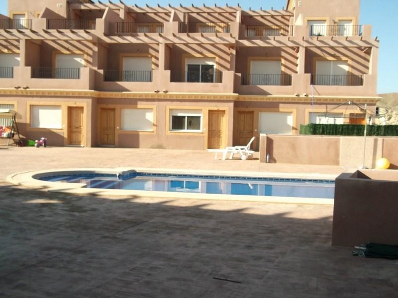Casa en venta en Cuevas del Almanzora, Almería, Calle Poligono 17, 75.000 €, 4 habitaciones, 2 baños, 147 m2