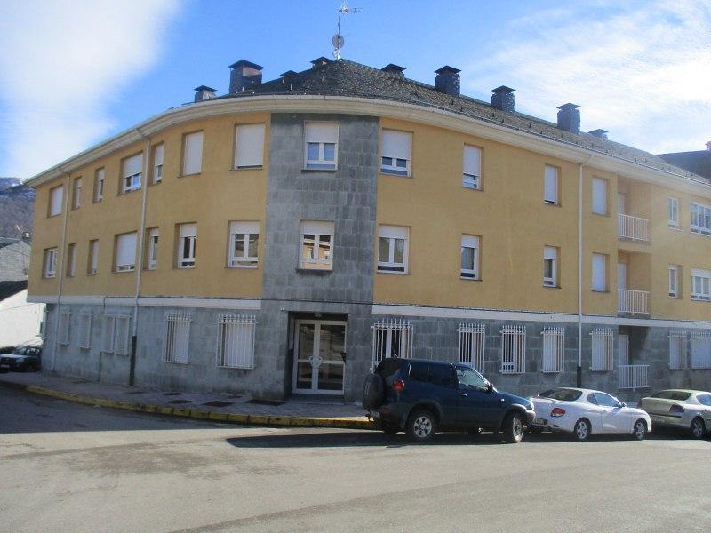 Piso en venta en Villager de Laciana, Villablino, León, Calle Serafin Morales, 92.000 €, 3 habitaciones, 1 baño, 130 m2