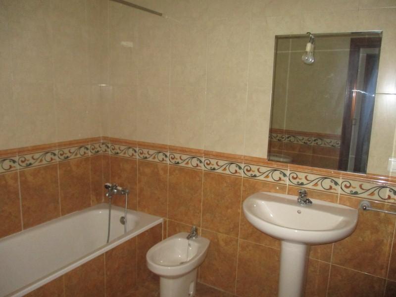 Piso en venta en Piso en Villablino, León, 92.000 €, 3 habitaciones, 1 baño, 130 m2, Garaje