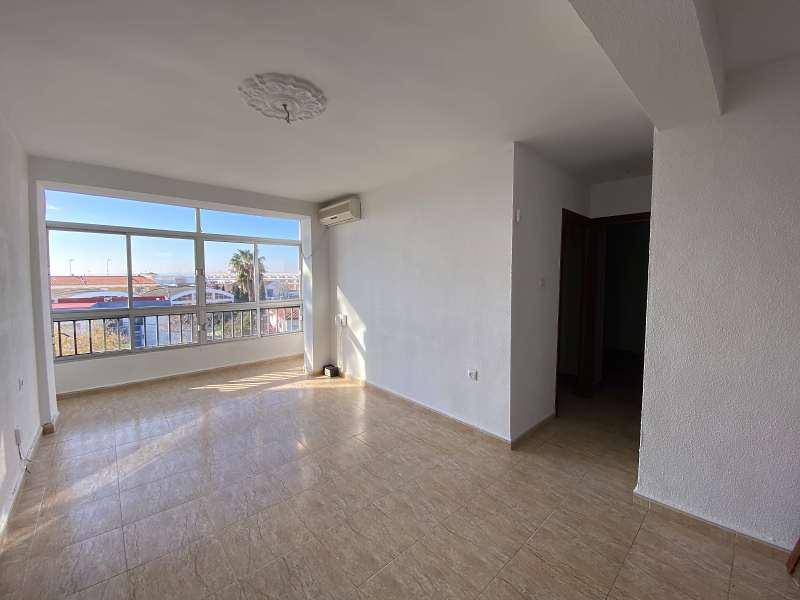 Piso en venta en Ayamonte, Huelva, Avenida Alcalde Narciso Martin Navarro, 77.000 €, 3 habitaciones, 1 baño, 78 m2