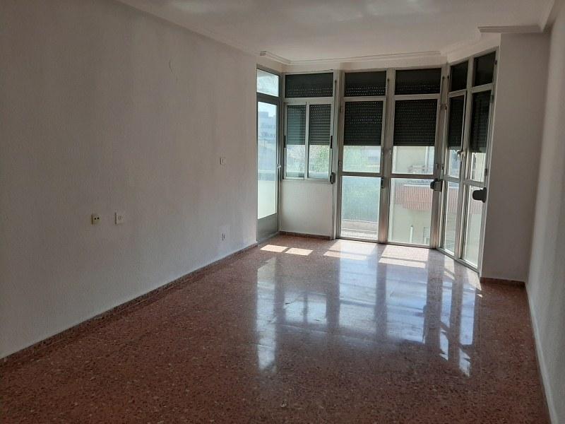 Piso en venta en Elda, Alicante, Calle Pablo Iglesias, 87.000 €, 4 habitaciones, 2 baños, 152 m2