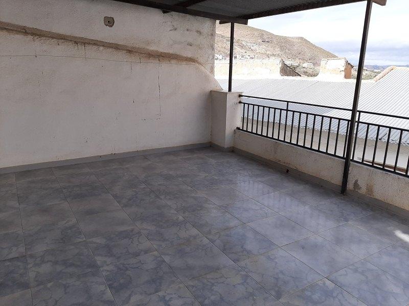 Piso en venta en Zújar, Zújar, Granada, Calle Heredia, 57.000 €, 5 habitaciones, 2 baños, 243 m2