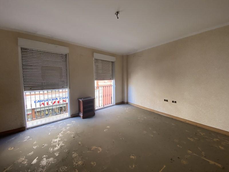 Piso en venta en Gibraleón, Huelva, Avenida Andalucia, 72.000 €, 3 habitaciones, 2 baños, 116 m2