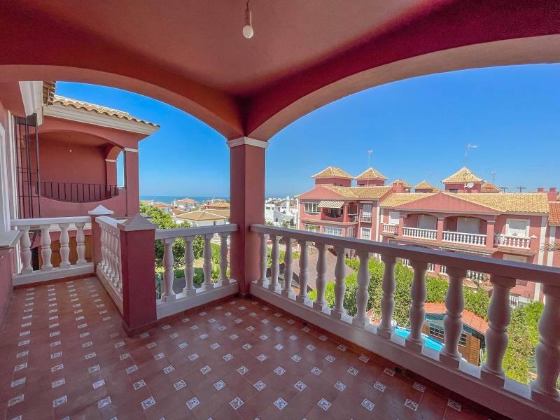 Piso en venta en 2ª Fase (caño Guerrero), Almonte, Huelva, Calle Rdal. la Palmeras Iv, 121.000 €, 2 habitaciones, 1 baño, 75 m2