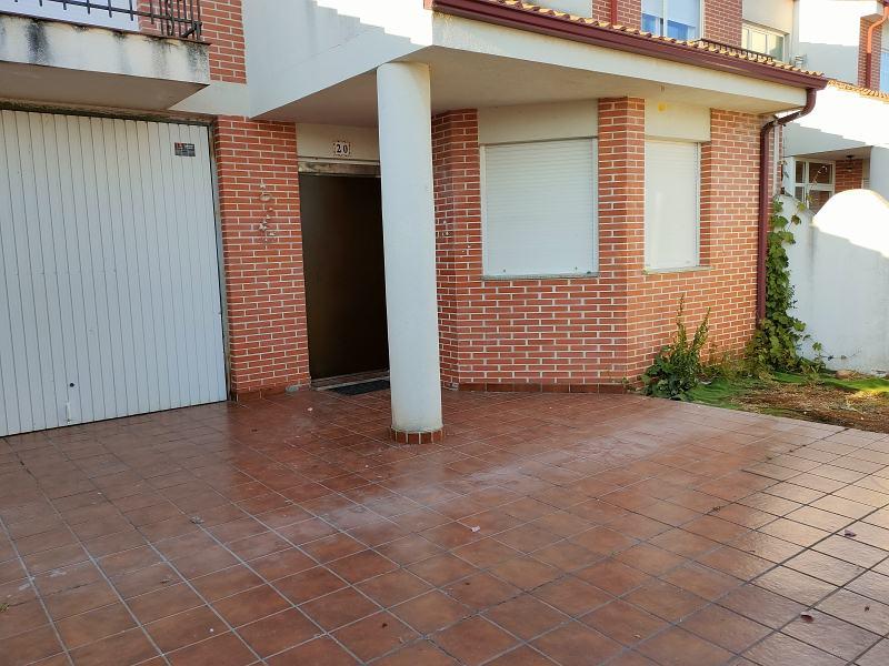 Piso en venta en Soto de la Vega, Soto de la Vega, León, Calle Lope de Vega, 129.000 €, 3 habitaciones, 2 baños, 160 m2