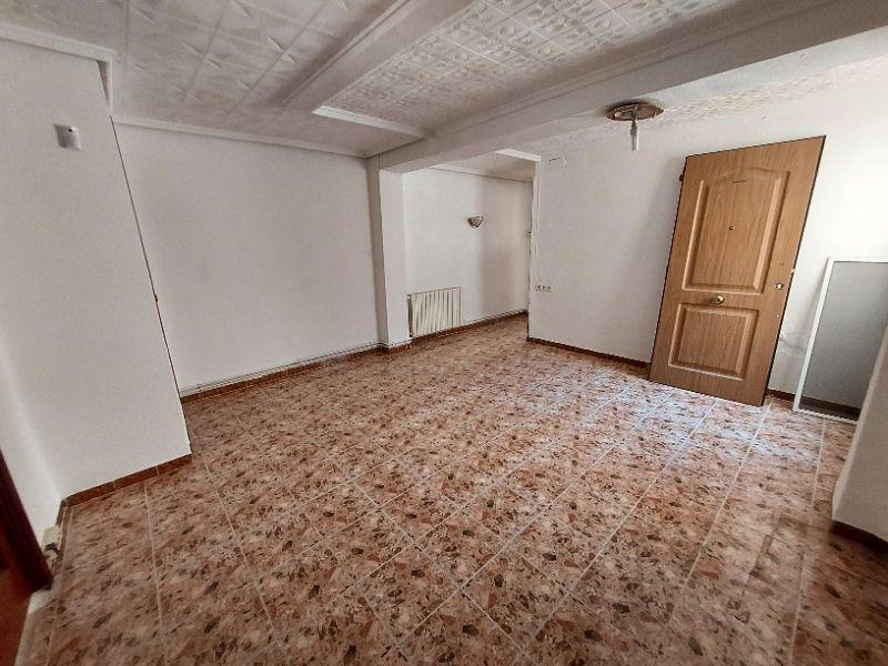 Piso en venta en Piso en Mislata, Valencia, 69.000 €, 3 habitaciones, 1 baño, 93 m2