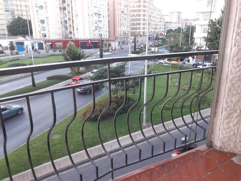 Piso en venta en Cruz de Humilladero, Málaga, Málaga, Calle Pintor Berriobianco Melendez, 150.000 €, 3 habitaciones, 1 baño, 90 m2