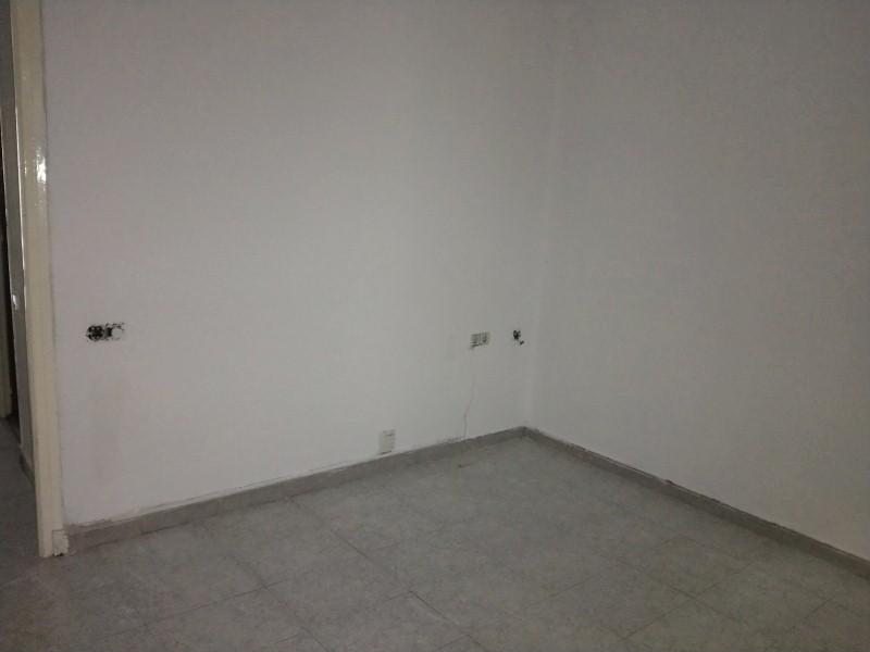 Piso en venta en Piso en Terrassa, Barcelona, 127.000 €, 3 habitaciones, 1 baño, 79 m2