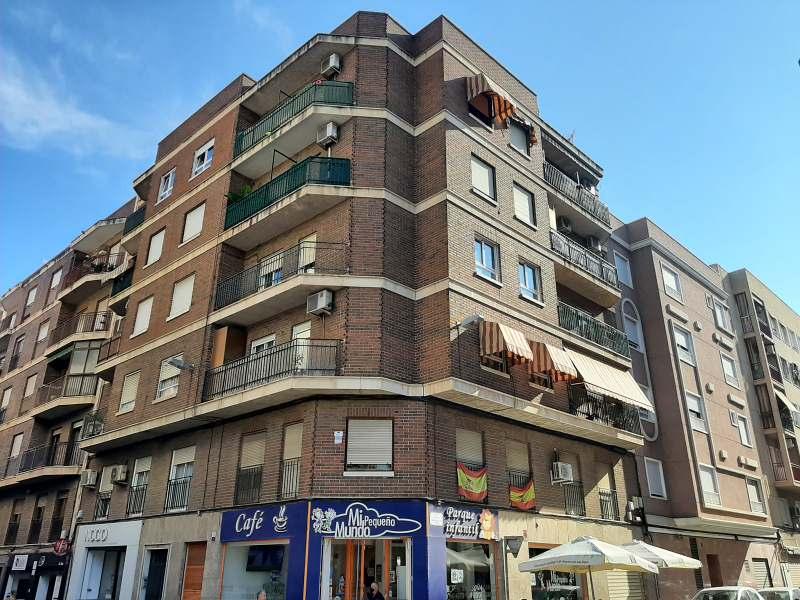 Piso en venta en Carrús Oest, Elche/elx, Alicante, Calle , 100.000 €, 3 habitaciones, 2 baños, 115 m2