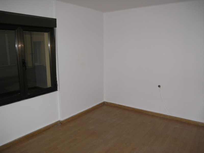 Piso en venta en Figareo, Mieres, Asturias, Calle Antonio Machado, 42.000 €, 5 habitaciones, 1 baño, 160 m2