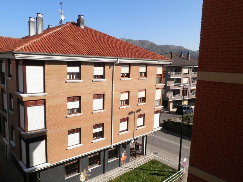 Piso en venta en Somahoz, los Corrales de Buelna, Cantabria, Avenida Cantabria, 39.000 €, 3 habitaciones, 1 baño, 84 m2