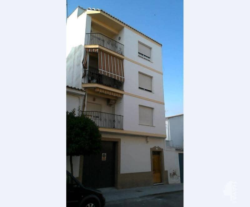 Piso en venta en Baena, Córdoba, Calle Capitan Ignacio Moneda, 83.700 €, 4 habitaciones, 1 baño, 145 m2