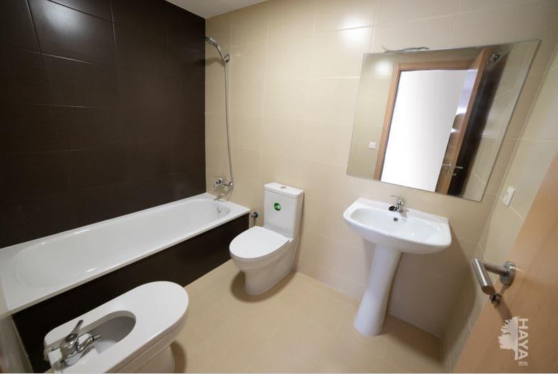Piso en venta en Piso en Cassà de la Selva, Girona, 116.000 €, 3 habitaciones, 2 baños, 72 m2