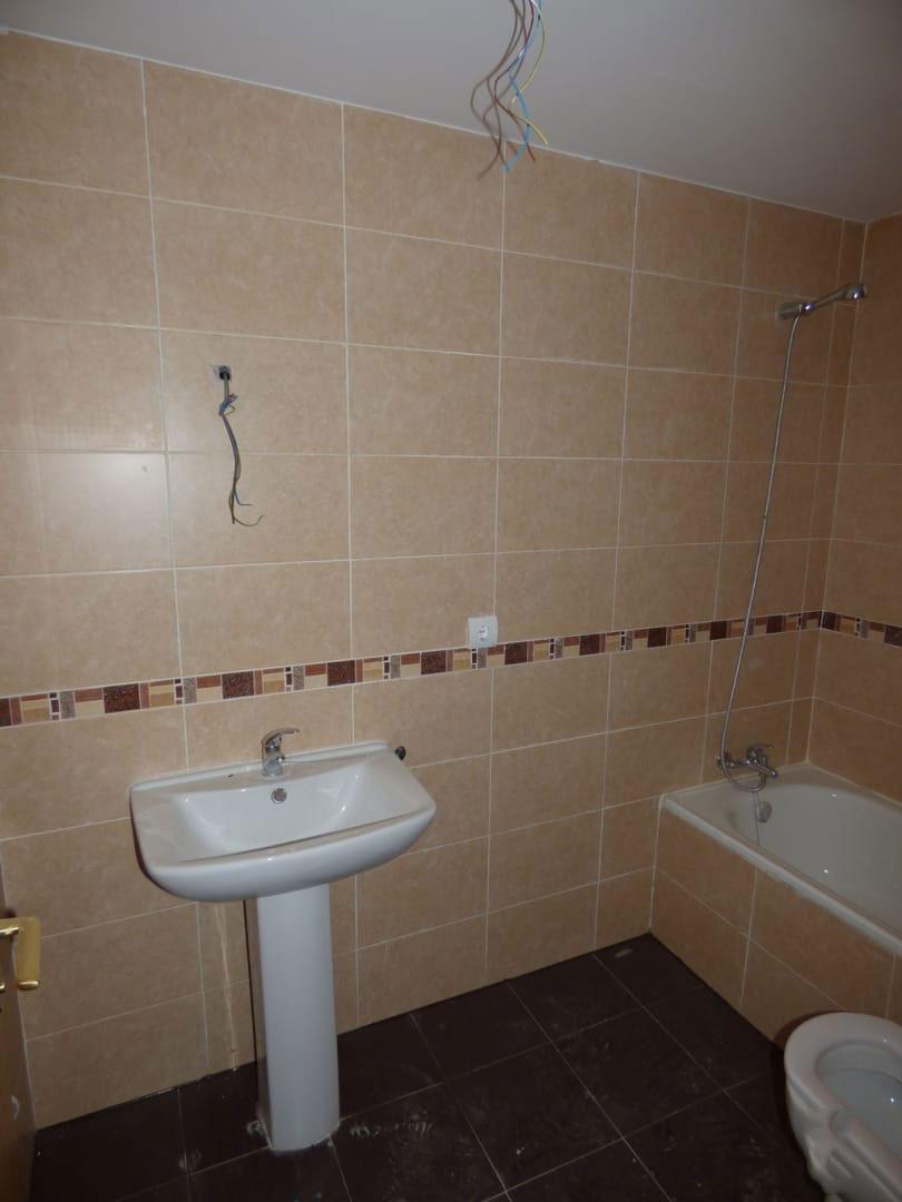 Piso en venta en Piso en Cabezamesada, Toledo, 64.658 €, 2 habitaciones, 1 baño, 104 m2