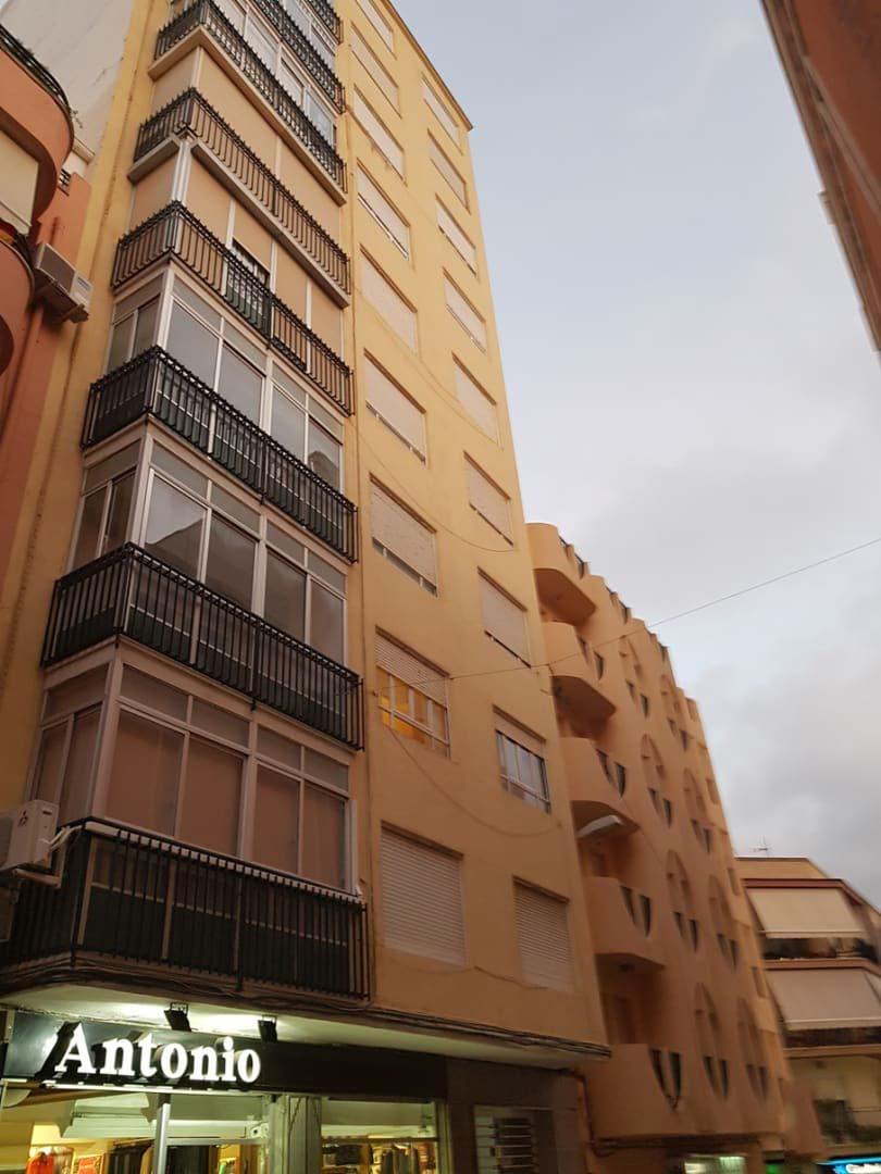 Piso en venta en Monóvar/monòver, Alicante, Calle Luis Marti, 53.400 €, 4 habitaciones, 1 baño, 129 m2