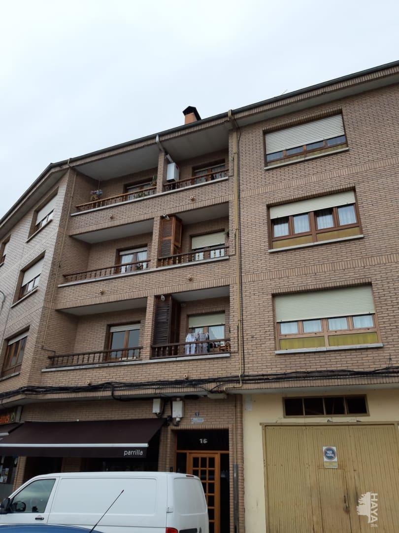Piso en venta en Monein, San Martín del Rey Aurelio, Asturias, Calle Velazquez, 64.750 €, 3 habitaciones, 1 baño, 116 m2